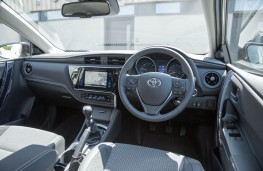 Toyota Auris, interior