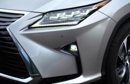 Lexus RX450h, headlight detail