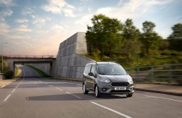 Ford Tourneo Courier, front