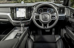 Volvo XC60 R-Design, interior