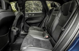 Volvo XC60 R-Design, interior, rear