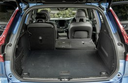 Volvo XC60 R-Design, boot
