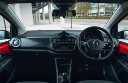 Volkswagen up!, dashboard