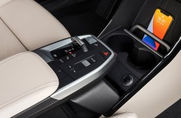 BMW 2 Series Active Tourer, 2021, centre console