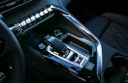 Peugeot 3008 GT, 2017, console