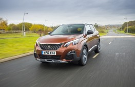 Peugeot 3008, 17-plate, front, action