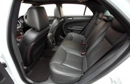 Chrysler 300C, rear seats