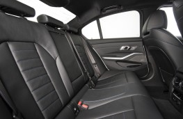 BMW 330e, 2019, rear seats