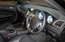 Chrysler 300C Executive, interior