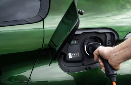 Peugeot 308, 2021, charging point