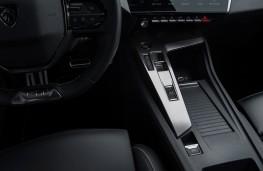 Peugeot 308, 2021, centre console controls