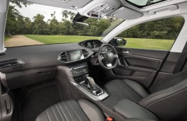 Peugeot 308 SW Tech Edition 130 auto, interior