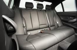 BMW 320d, 2015, rear seats