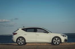 SEAT Leon FR, profile