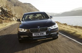 BMW 3 Series xDrive, action