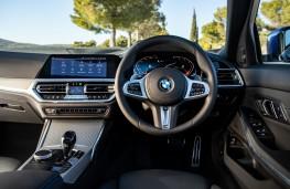 BMW 320d, 2019, interior