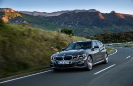 BMW 3 Series Touring, 2019, front