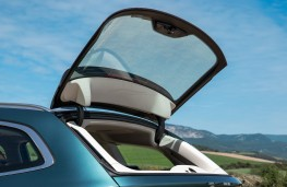 BMW 3 Series Touring, 2019, rear window opening