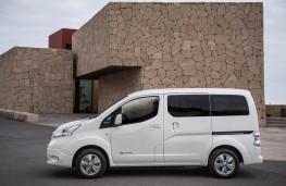 Nissan e-NV200, side
