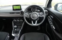 Mazda2, interior