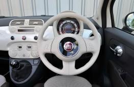 Fiat 500C, interior