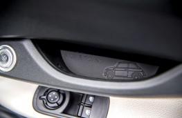 Fiat 500e, 2021, door pull graphic