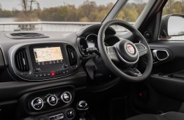 Fiat 500L Cross, 2017, interior