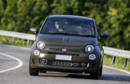 Fiat 500S, 2017, head on