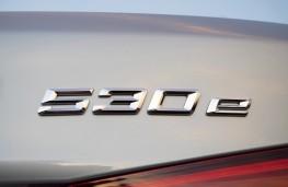 BMW 530e, 2017, badge