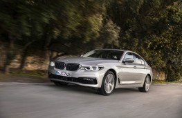 BMW 530e, 2017, front, action