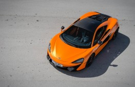 McLaren 570S Coupe, front