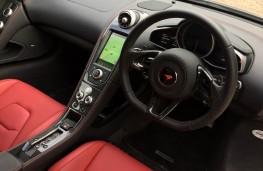 McLaren 650S Coupe, dashboard