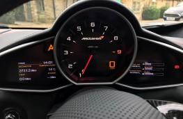 McLaren 650S Coupe, instruments
