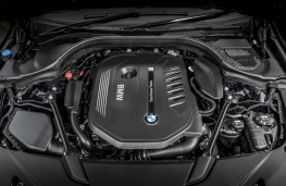 BMW 6 Series GT 640i xDrive, 2017, engine