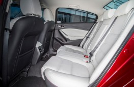 Mazda6 saloon, rear seats