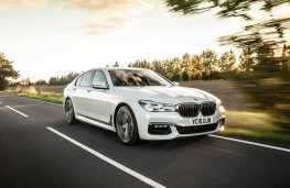 BMW 7-Series, front