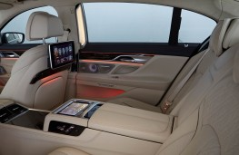 BMW 7-Series, interior