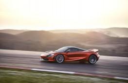 McLaren 720S, 2017, side