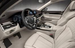 BMW M760Li xDrive V12, interior