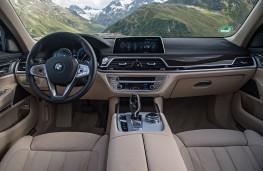 BMW 740Le, interior