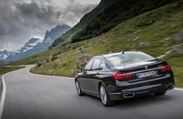 BMW 740Le, rear, action