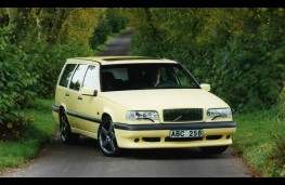 Volvo 850 estate, front