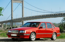 Volvo 850 saloon, front