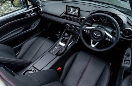 Mazda MX-5 RF, interior