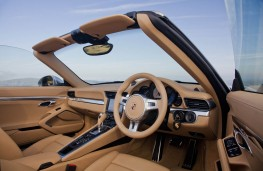 Porsche 911 Carrera S Cabriolet, interior