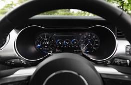 Ford Mustang, interior