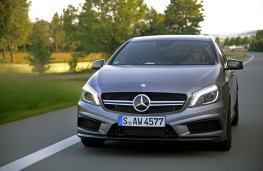 Mercedes A 45 AMG, front
