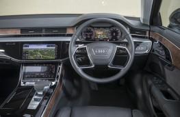 Audi A8, interior
