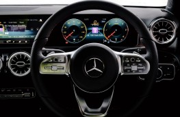 Mercedes-Benz A-Class, 2018, dashboard