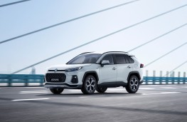 Suzuki Across, 2020, front